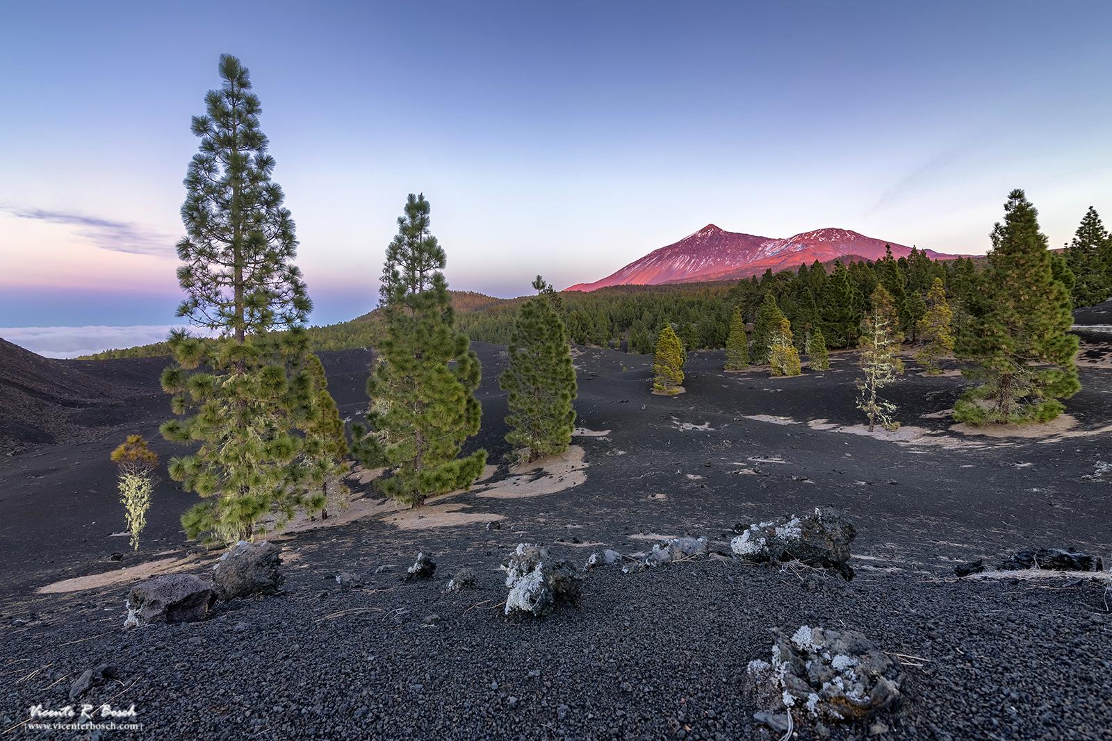 Atardecer en el Teide con los últimos rayos de sol