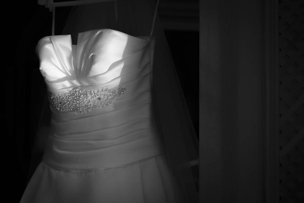 Detalle de luz en un traje de novia
