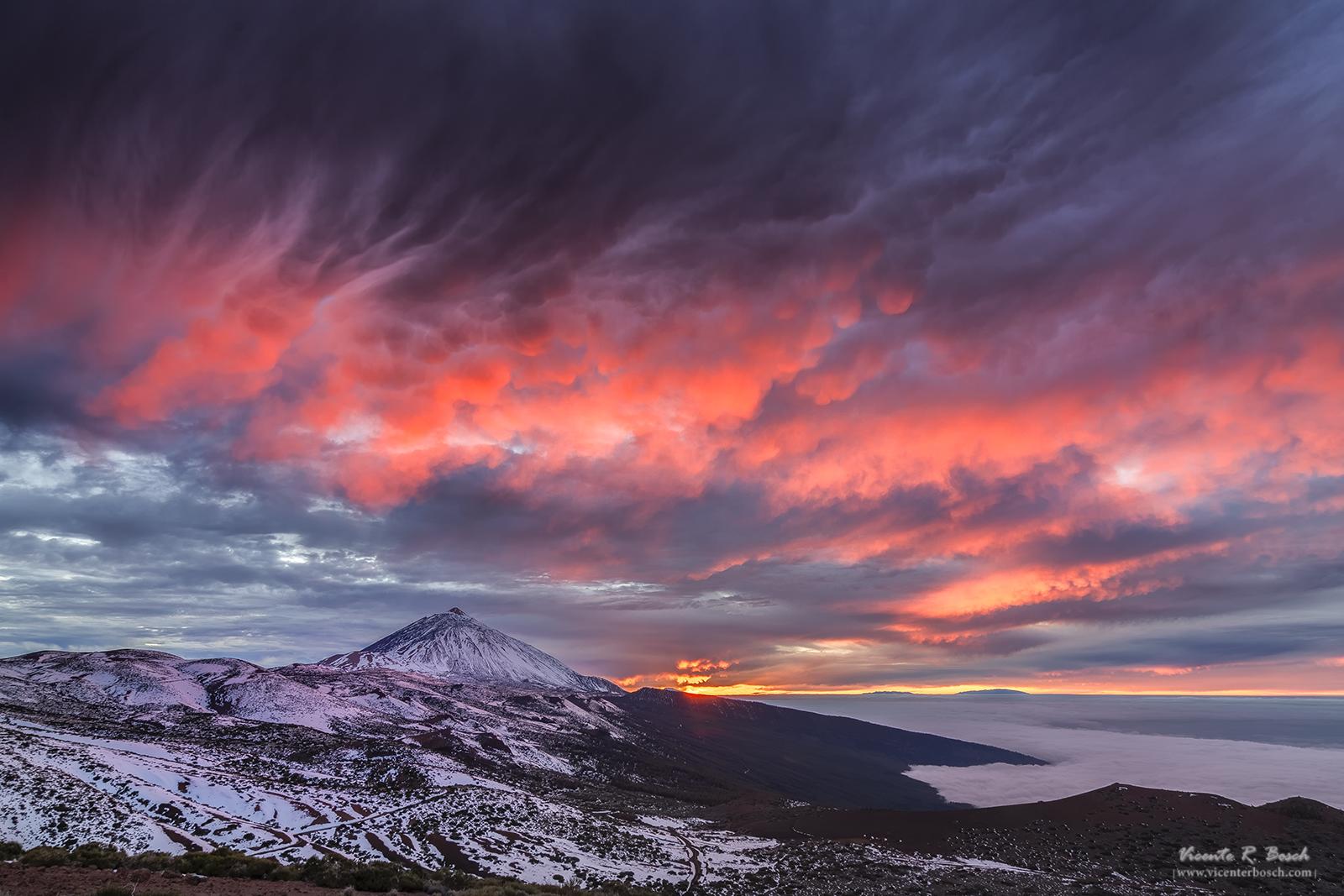 Virgas y mammatus en el Teide